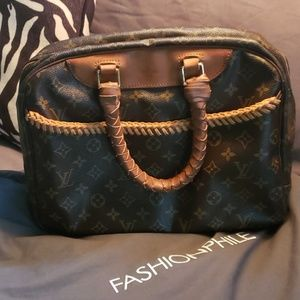 Louis Vuitton Devillve bag